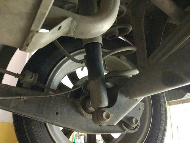 汽车减震器油封漏油如何处理